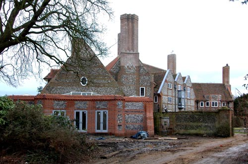 An extension to Kelling Hall